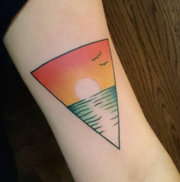 30 Tatuaggi che vi Faranno Venire Voglia di Correre in Spiaggia
