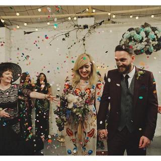 22 Abiti da Sposa Coloratissimi Che Vi Faranno Cambiare Idea sull'Abito Bianco