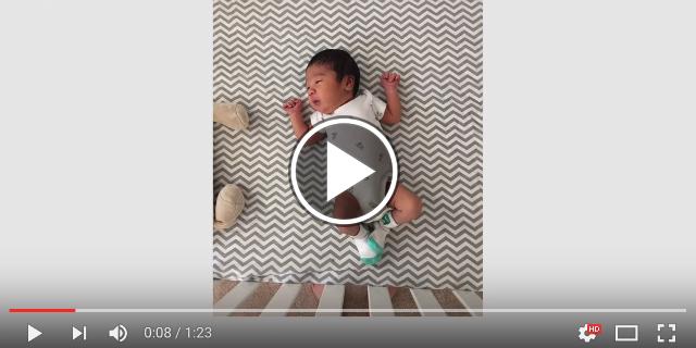 Da neonato al primo compleanno: la crescita del bebè in 80 secondi
