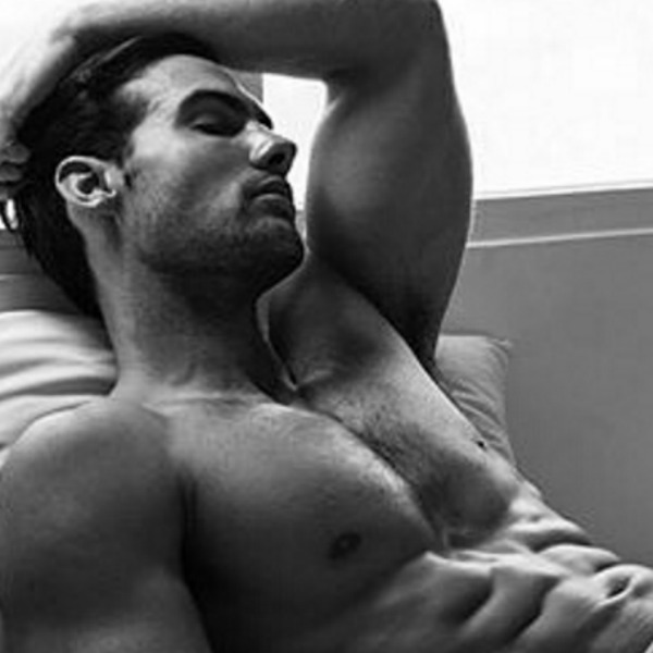 Uomini a letto: le 20 foto più sexy di Instagram
