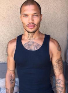 Dal carcere alla passerella: 38 scatti dell'ex criminale più bello del mondo