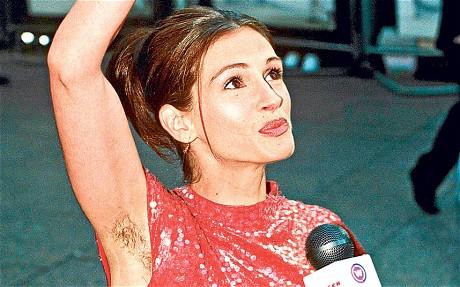 Bella Thorne e altre 16 star che non si depilano le ascelle per scelta