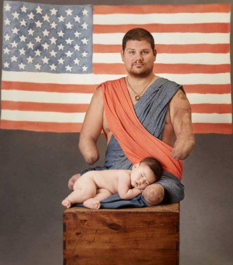 """""""Vaccinate i vostri bambini"""": gli scatti di Anne Geddes con Bebe Vio e gli atleti paralimpici contro la meningite"""