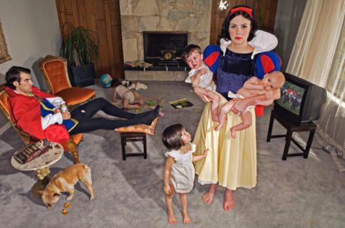 """""""E vissero..."""" non proprio felici e contenti: le principesse Disney nel mondo attuale"""