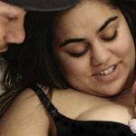 Il cognato le fa un video durante il parto e lei sceglie di condividerlo su Facebook: ecco perché