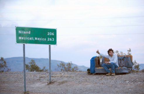 Into The Wild: le vere foto di Chris e quella scritta incisa sul bus prima di morire