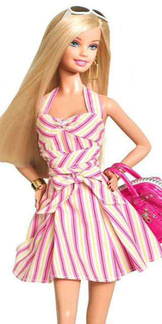 La Barbie curvy Ashley Graham e l'evoluzione realistica delle altre bambole