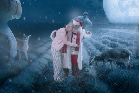Babbo Natale esperto di Photoshop regala ai bambini malati il Natale magico che non possono avere