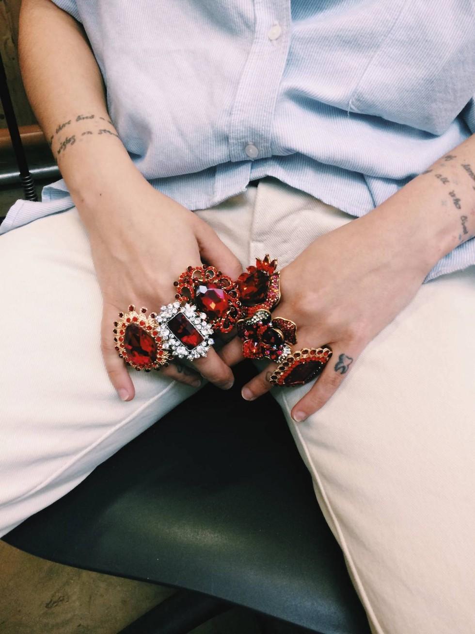 I gioielli da indossare durante il ciclo: provocazione o soluzione?