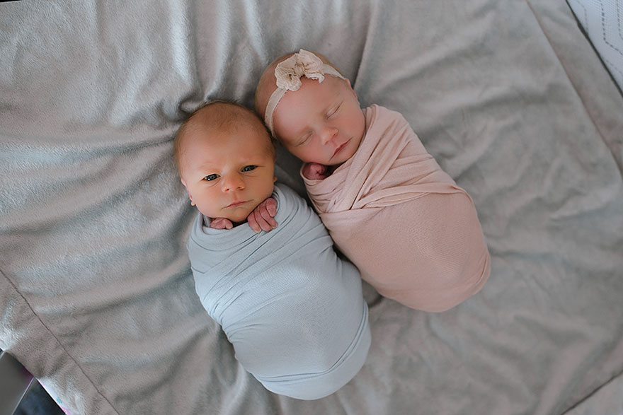 Un servizio fotografico per ricordare i pochi giorni di vita del gemellino