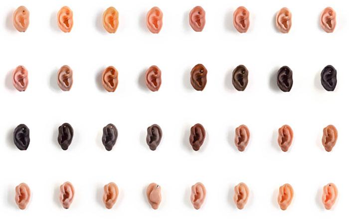 Se pensate che questi orecchini siano disgustosi non avete ancora visto l'anello