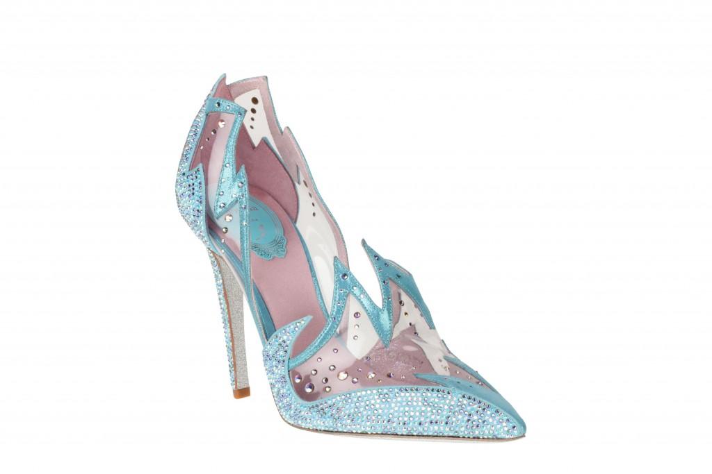 Le scarpette di Cenerentola esistono davvero. Ne abbiamo le prove (firmate dai più grandi stilisti)!
