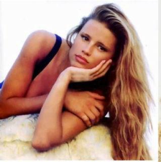 44 immagini (dal 1994 a oggi) per i 44 anni di Michelle Hunziker
