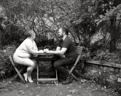 """Adipositivity: 10 bellissime foto di coppie """"grasse"""" non curvy"""