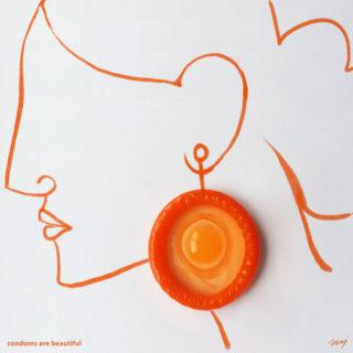 Con un preservativo si possono fare tante cose belle. Anche sesso sicuro