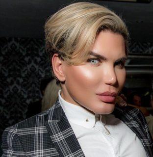 """Rodrigo Alves, il Ken umano diventa Barbie: """"Mi sono sempre sentita una donna"""""""