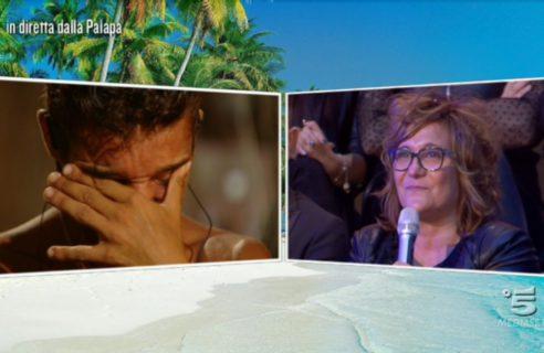 Isola dei Famosi: è di nuovo amore tra Paola Barale e Raz Degan?