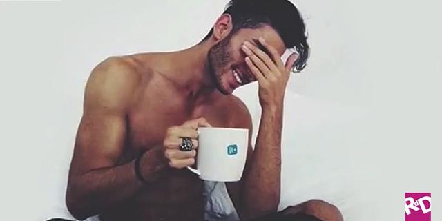 Ecco degli ottimi (e sexy) motivi per non abbandonare mai il letto