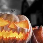 Una nail-art da brividi: le unghie perfette per la notte di Halloween