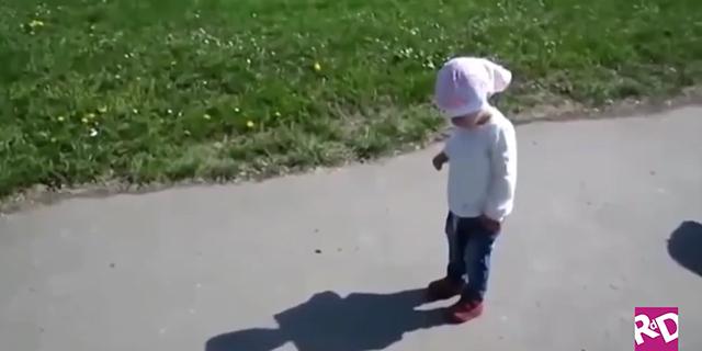 Piccoli divertenti Peter Pan: i bimbi alle prese con la loro ombra
