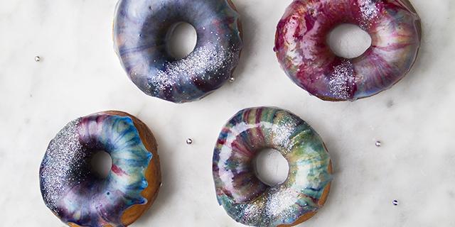 Galaxy donuts: ecco come preparare delle ciambelle davvero spaziali!