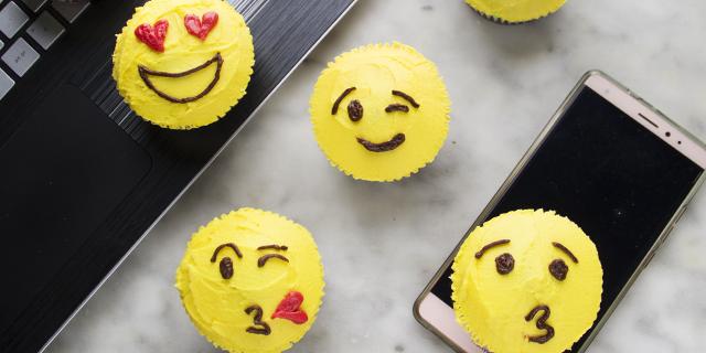 """Muffin per tutti i """"mood"""": come preparare delle Emoji tutte da gustare!"""