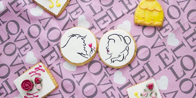 Come preparare magici biscotti a tema Bella e la Bestia per tornare bambine