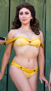 """""""E presero il sole felici e contente"""" con i bikini da principessa Disney"""