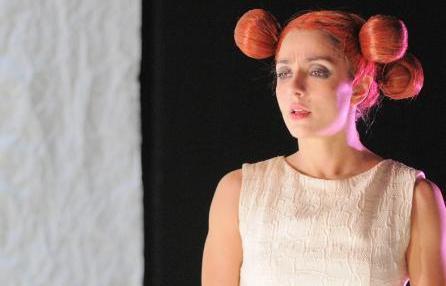 Ambra Angiolini: storia (e 5 cose che non sai) di una ragazzina diventata donna