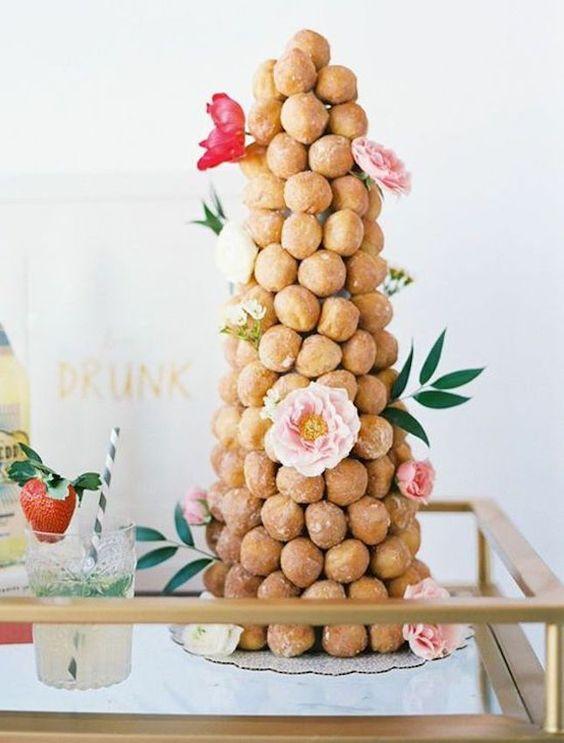 Torte Nuziali: basta con il solito dolce. 30 idee davvero originali