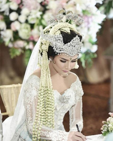Perché questo è il vestito da sposa più amato su Instagram