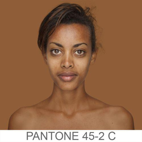 Humanae: 200 sfumature di pelle e di bellezza