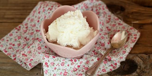 La crema al mascarpone adatta a tutti: senza uova e senza lattosio