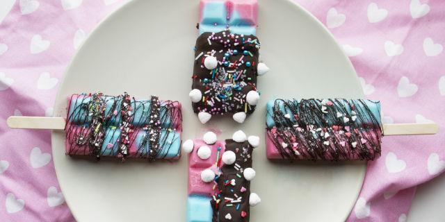 Come realizzare dei coloratissimi gelati glitterosi