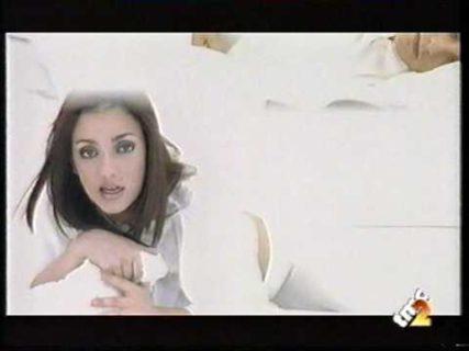 Ambra Angiolini ritrova l'amore e torna a ballare e cantare come ai tempi di Non è la Rai