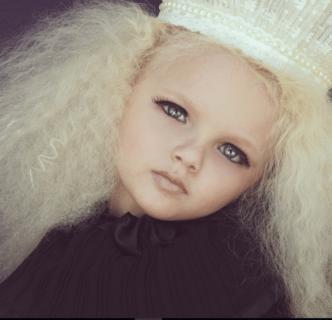"""Ecco com'è diventata la """"bambolina vivente"""" Aira Brown"""