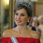 Bellezze reali: Kate con la tiara di Diana e Letizia di Spagna in abito rosso