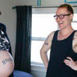"""""""Sono un papà in dolce attesa"""": la storia di Trystan e Biff"""