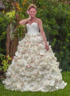 20 meravigliosi abiti da sposa realizzati con la carta igienica