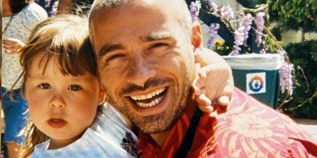 """""""Non tornare"""": il dolcissimo messaggio (da lontano) di Aurora Ramazzotti a papà Eros"""