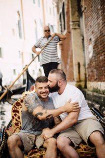 Proposta di matrimonio in gondola per l'ex tuffatore olimpico