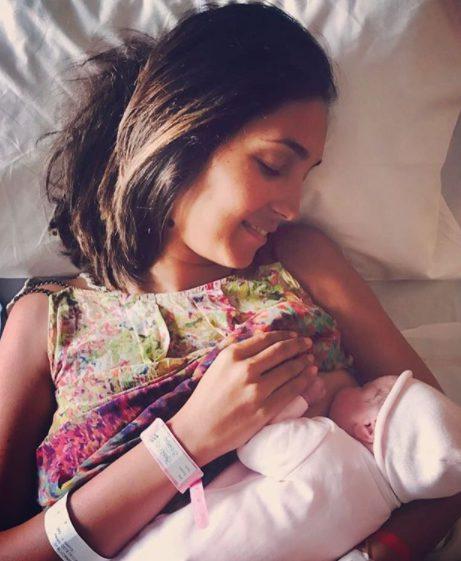 """Caterina, mamma bis con """"Pane, amore e fantasia""""... e prosciutto"""