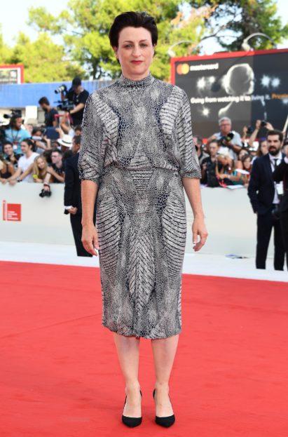 Festival del Cinema di Venezia 2017: Bianca Balti sul red carpet con l'abito low cost OVS