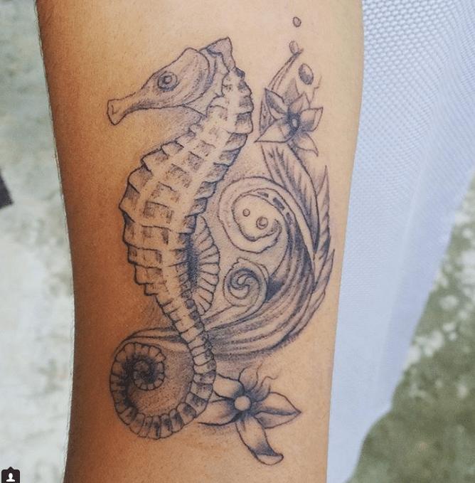 35 tatuaggi bellissimi per chi si sente una sirenetta