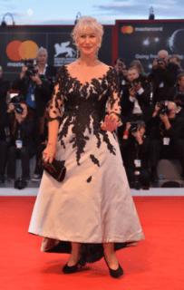 """Festival di Venezia 2017: sul red carpet anche Chiara Ferragni con una """"pancia sospetta"""""""
