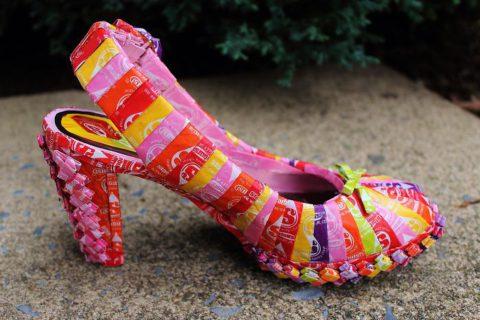 """""""Come mi sono fatta abito, borsa e scarpe con la carta delle caramelle"""""""