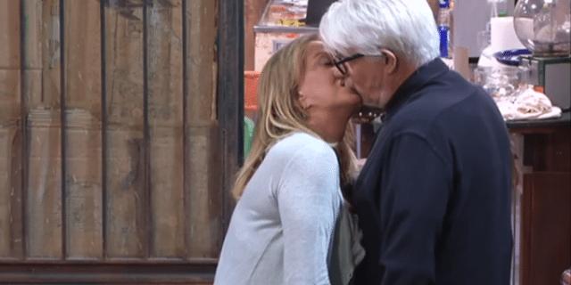 Il romantico incontro tra Ricky Tognazzi a Simona Izzo nella Casa del GF Vip