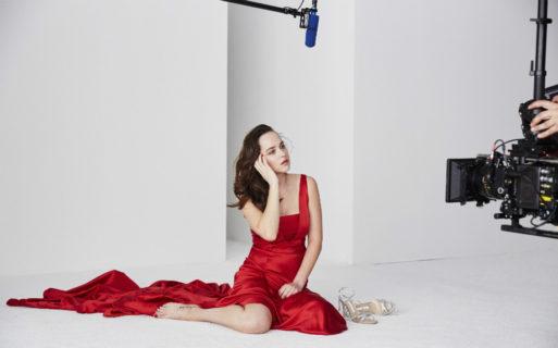 Dakota Johnson: i preparativi al sesso in 50 Sfumature di Rosso e il nudo per Vogue