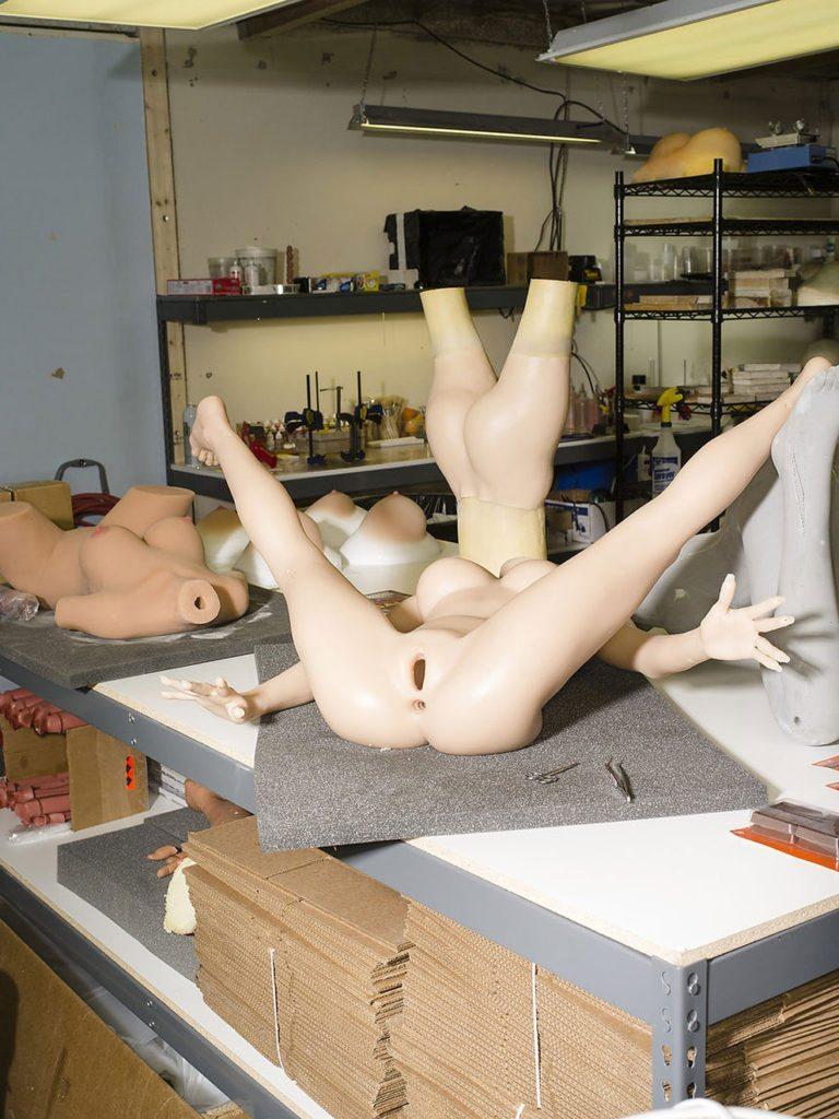 Real Dolls: viaggio nella fabbrica delle bambole del sesso