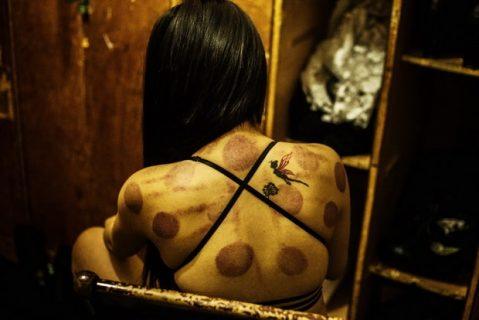 La vera vita dietro le quinte di un nightclub cinese